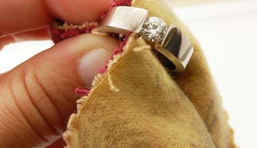 Cleaning Diamond Rings