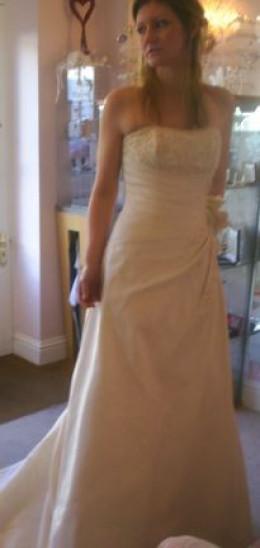 choose your boho style wedding dress