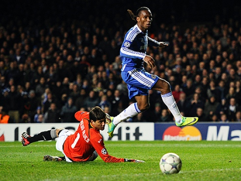Drogba seals a 3-0 win with his second goal against Valencia