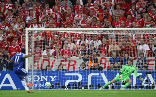 Drogba converts the penalty to give Chelsea their first ever Champions League trophy