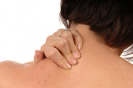 Neck pain, Stiffness, decrease in neck motion: symptoms of a stiff neck.