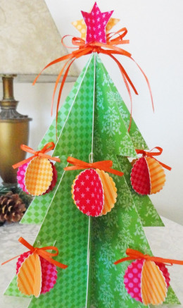 Christmas tree using papers