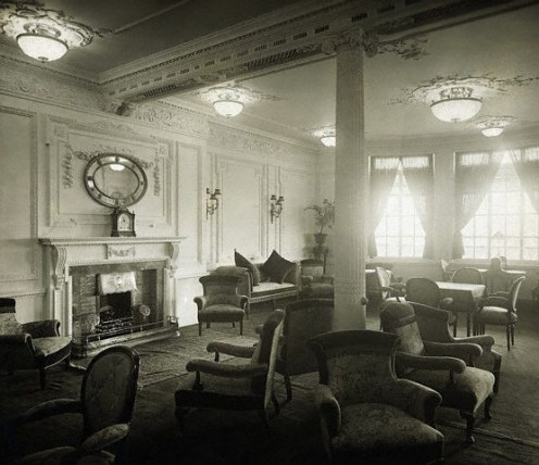 This is a photo of the real (rather than the film version) RMS Titanic's reading and writing room.