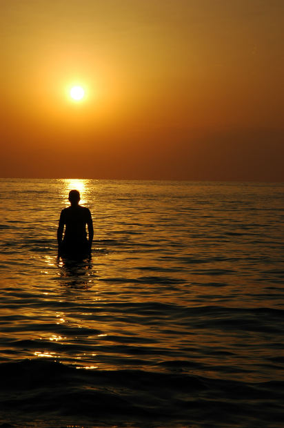Some of the very best beach photography is silhouette photography.