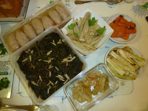 Example of a seder meal for the Rosh Hashanah holiday.