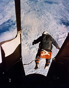 Aug. 16, 1960. Colonel Joseph Kittinger skydiving from balloon at 102800 feet. He opened his parachute at 18000 feet. (U.S. Air Force Photo, Souce: Corbis Image)