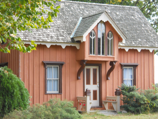 """This """"Honeymoon Cottage"""" was bought from a catalog and is the first building one sees when entering the plantation."""