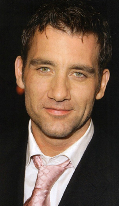 Clive Owen has one of the sexiest voices in film.