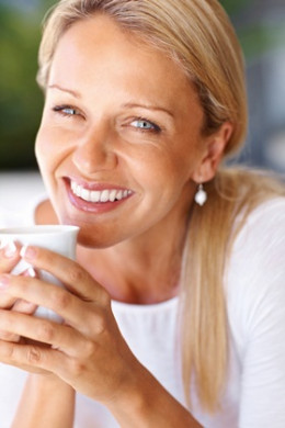 Drinking Green tea has health benefits including promoting heart health, weight loss, immune system health, and helping to prevent diabetes, and more