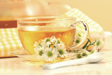 The antioxidants catechins in green tea helps to prevent glaucoma.