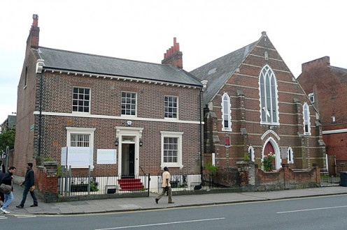 Oxford Road: a Georgian house now converted to now converted to the offices of the Reading Community Welfare Rights Unit. Adjacent is Providence Chapel, built in 1859.