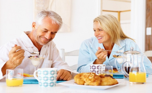 Eating breakfast has healthy benefits, including the lower risk of obesity.