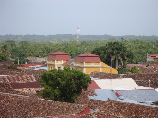 The rooftop of a high school toward the east of Iglesia de la Merced.