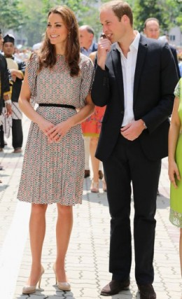 Duchess Kate in print Raoul separates with Prince William