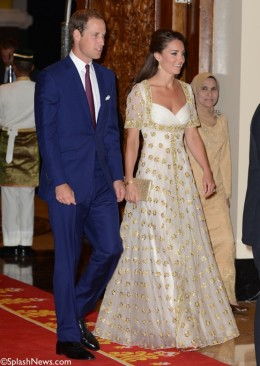 Kate's amazing gold and white Alexander McQueen gown for the state dinner in Malaysia was awesome.