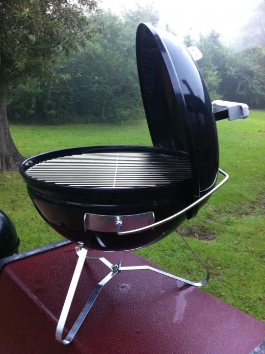 portable weber charcoal grills. Black Bedroom Furniture Sets. Home Design Ideas