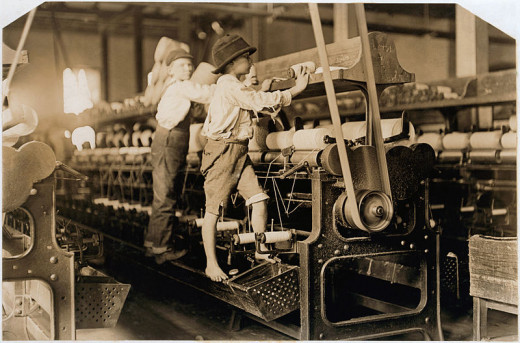 Children working in a mill in Macon, Georgia, US