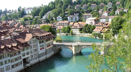 TL took this photograph of the Aare River in Berne, Switzerland in July 2005.