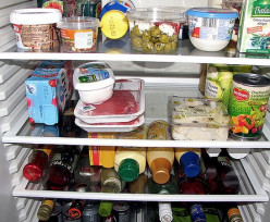 How to Keep Food in Refrigerator Cold When Power Goes Out