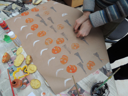 A busy Halloween paper made by my friend Andrea and her son Julien
