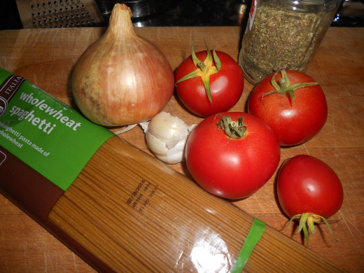Some ingredients for vegetarian spaghetti bolognese
