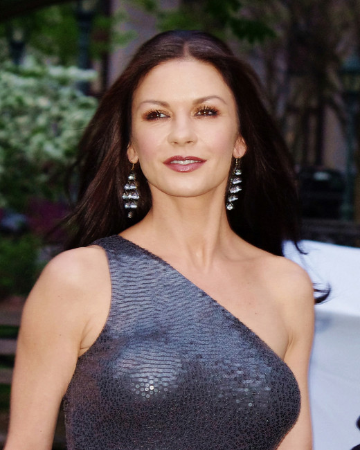 actress, wife of Michael Douglas, and former spokeswoman for T-Mobile.