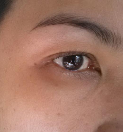 Before applying eye make-up