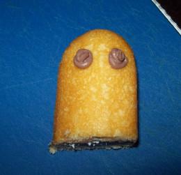 Half Twinkie Icing Eyes