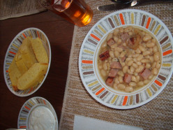 A Nourishing and Hearty Ham Bean Soup Recipe