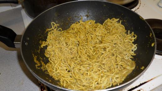 Spaghetti in coriander sauce