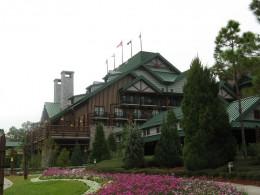Entrance of Disney Wilderness Lodge
