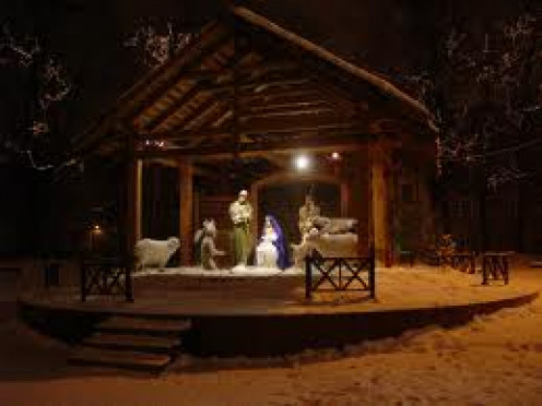 Jesus, Joseph and Mary in the Manger Scene. There are many easy ways to reconstruct this beautiful scene in your front yard for the holidays.