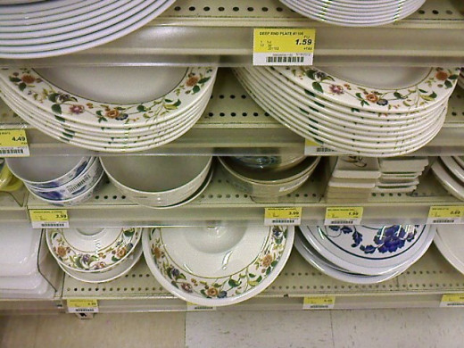 Spotted this plates while I walked past its aisle.