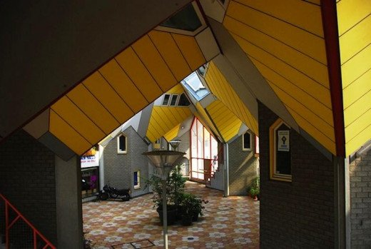 Rotterdam's Cube House (Interior)