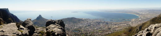 Panorama of Cape Town, see Robben Island in the disctance...