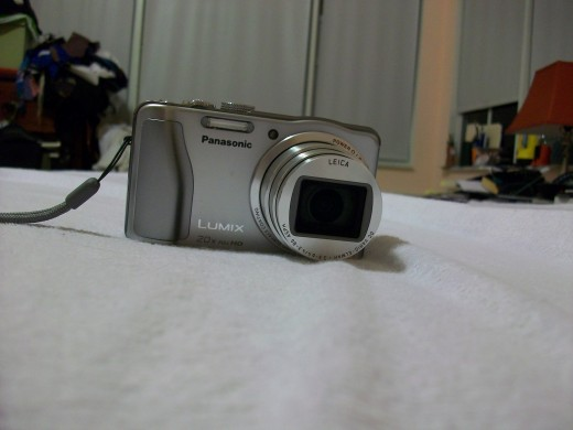 This is the Panasonic Lumix DMC-ZS20 with the lens fully zoomed.