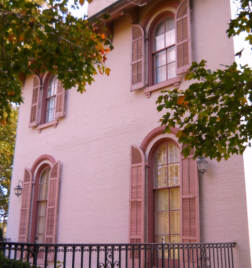 Side view of the mansion. Note the beautiful arched windows.