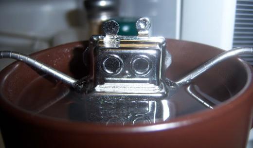My robot tea-ball, Alfred Robbie, hard at work.