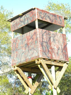 How To Build A Free-Standing Deer Hunting Blind in The Best Location