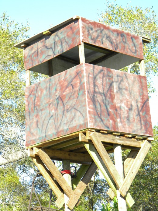 How to build a free standing deer hunting blind or stand for Free tree stand