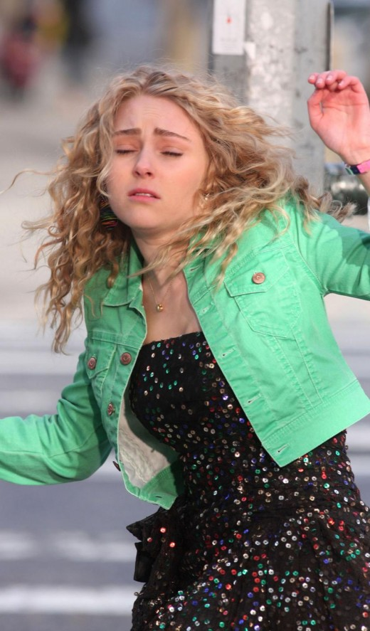 AnnaSophia in her new role as Carrie Bradshaw in The Carrie Diaries