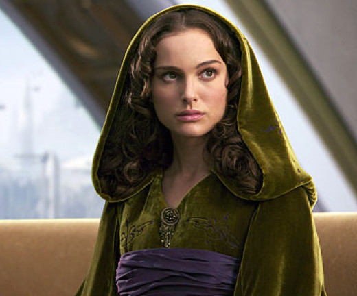 In this story, Padme is an Alderaanian soldier who befriends and then eventually falls in love with Anakin.