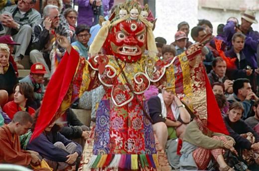 Tibetan festival dance