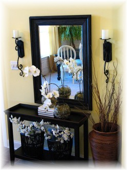 Small Foyer Decorating Ideas