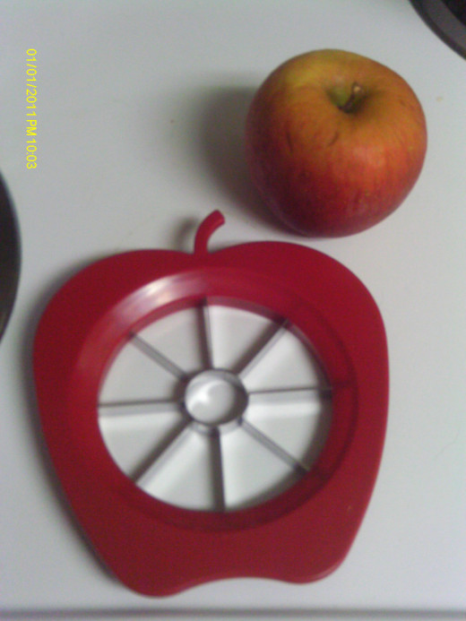 Apple shaped apple divider