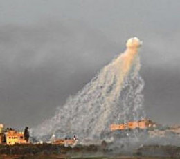 Israeli white phosphorous rounds over Gaza. A very alien-type look.