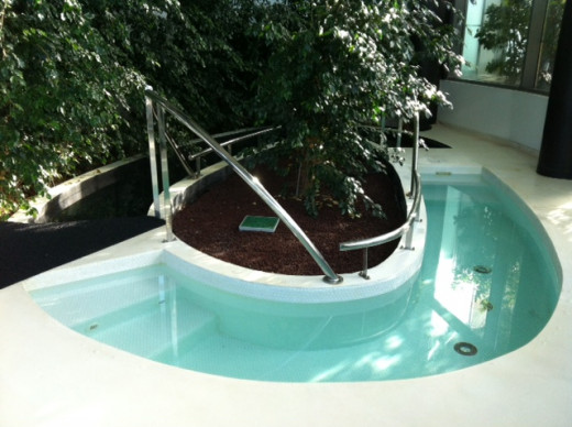 Hot and cold water walking pool, thrirdly