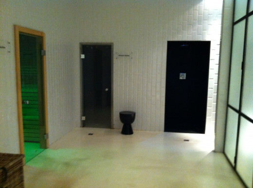 Sauna, steam and shower rooms complex with large showers and a cold bucket of water option in the shower!