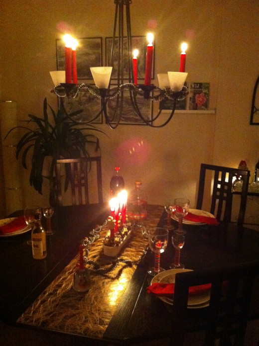 Make it cosy and invite your friends for dinner.