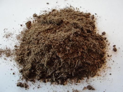 Peat is fibrous and regulates moisture.